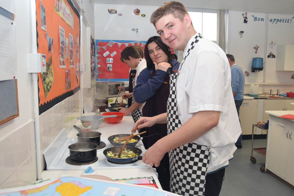 Food tech st johns rc school for Cuisine tech
